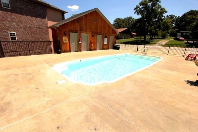 inground pool area